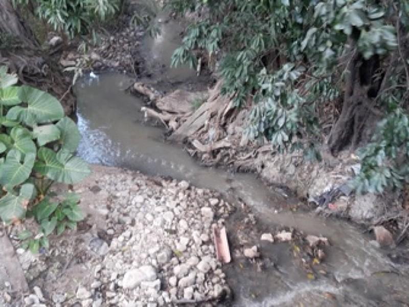 Continúa contaminación de afluente en Tuxtla