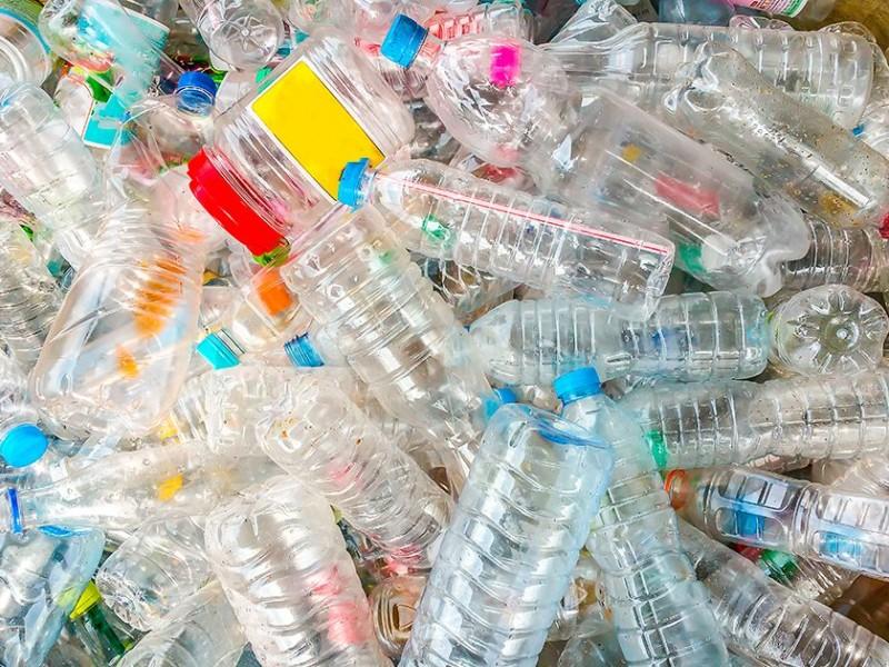 Continúa el uso de plásticos de un solo uso