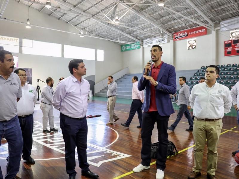 Continúa gira estatal de clínicas con Gustavo Ayón