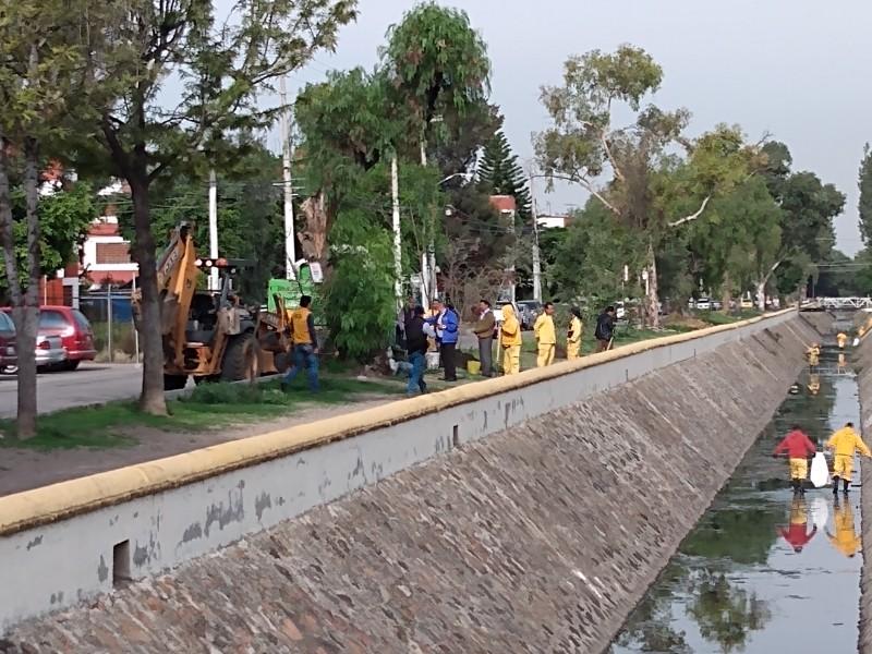 Continúa limpieza de drenes en Querétaro