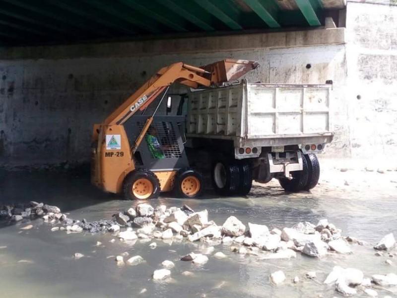 Continúa limpieza de ríos en Tuxtla