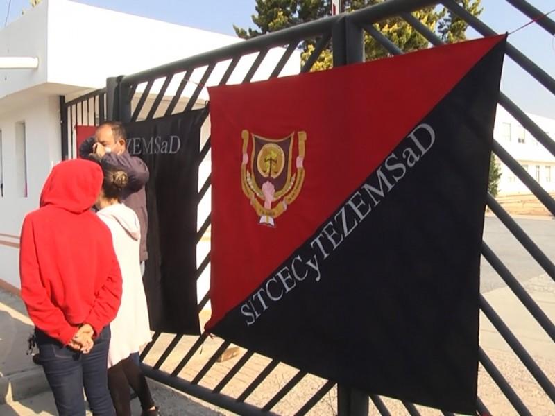 Continúa paro en el CECyTEZ; 9 mil alumnos son afectados