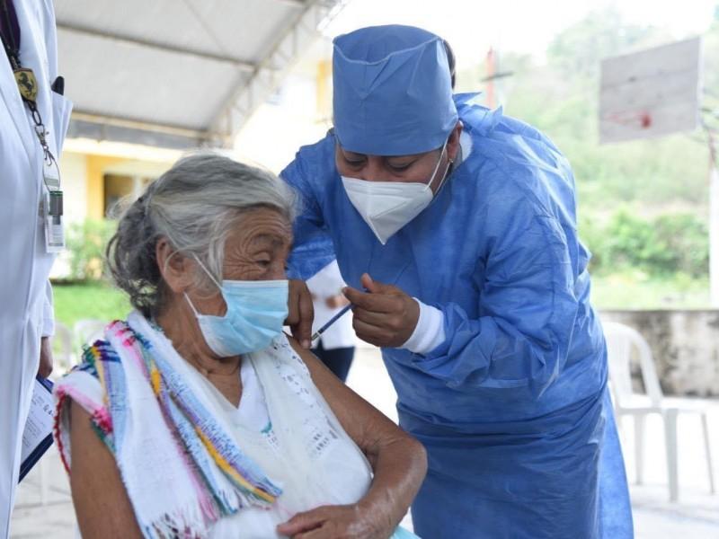 Continúa proceso de vacunación en Orizaba y Chalma