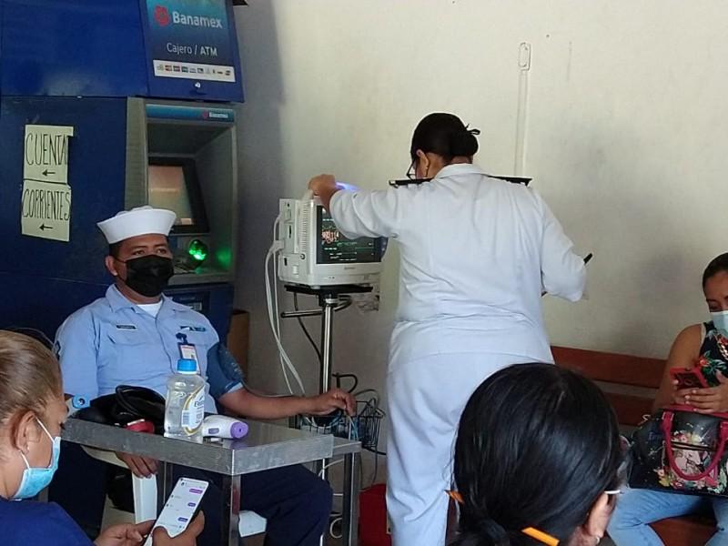 Continúa reforzamiento de vacuna anticovid para el sector salud