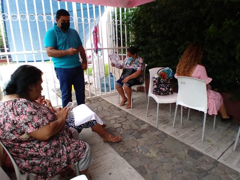 Continúa toma de oficinas estatales en La Unión y Zihuatanejo