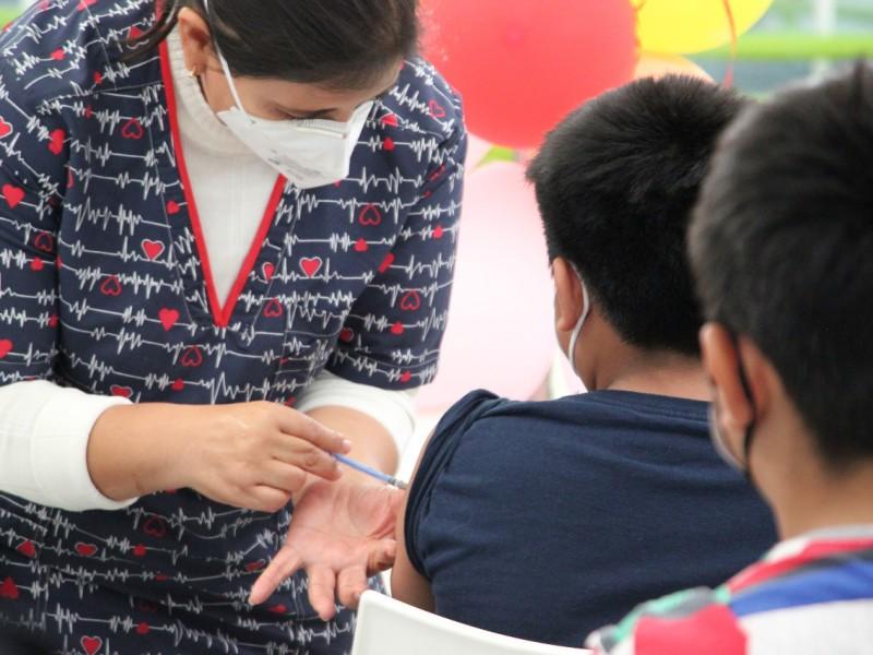 Continúa vacunación Covid en menores este fin de semana