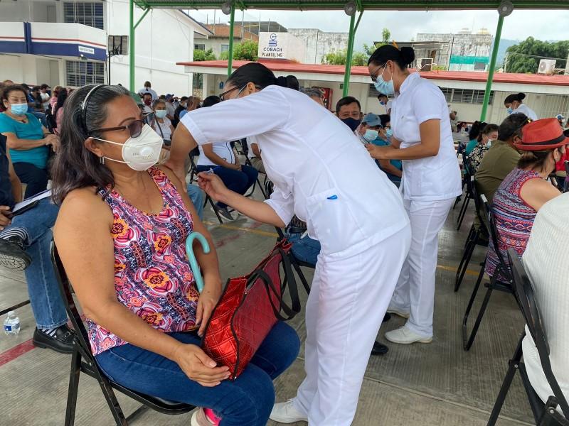 Continúa vacunación en Chiapas, más de 600mil han sido inmunizados