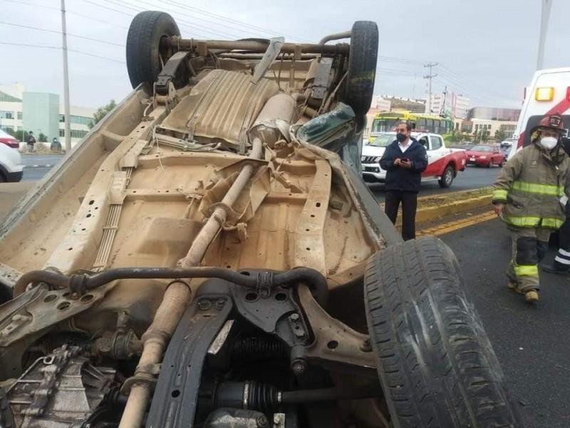 Continúan accidentes automovilísticos debido a lluvias