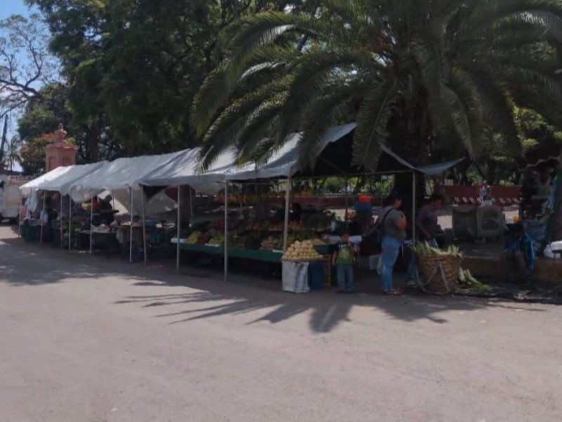 Continúan bajas ventas para comerciantes jiquilpenses
