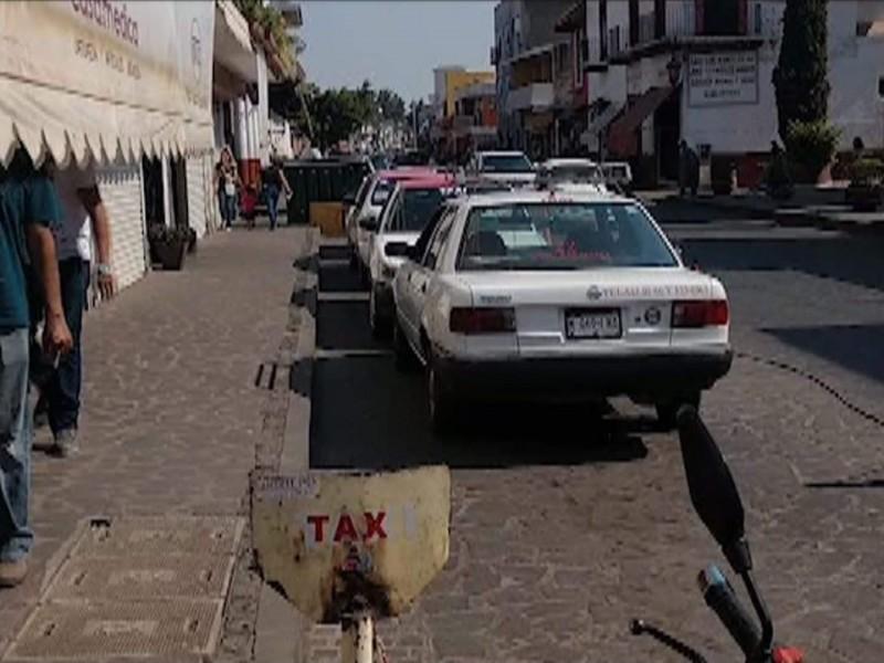 Continúan con baja clientela taxistas jiquilpenses