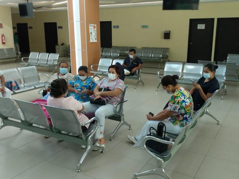 Continúan en asamblea permanente trabajadores de salud del Istmo