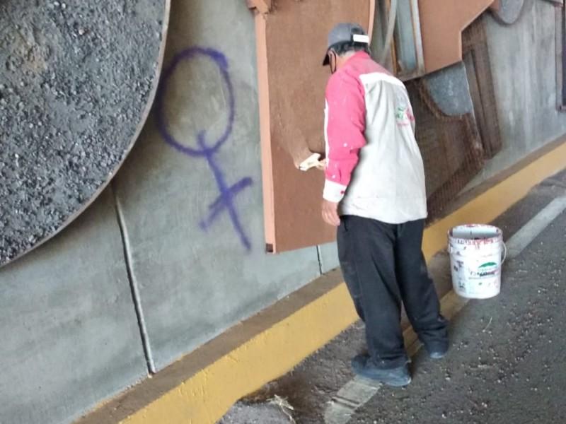 Continua limpieza y mantenimiento de espacios públicos en Zona Metropolitana