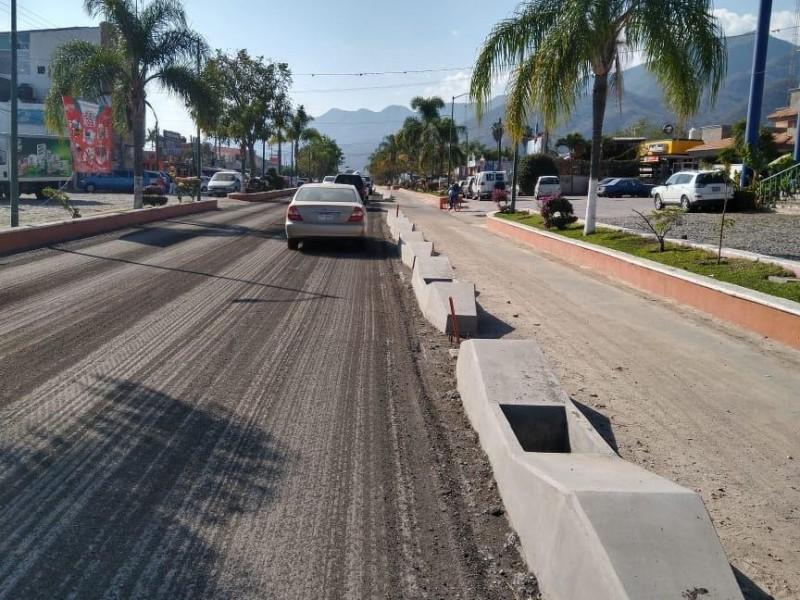 Continúan obras en corredor ciclista de Chapala