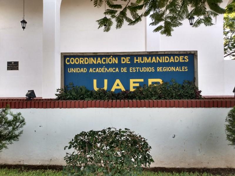 Continúan ofreciendo información del COVID-19 académicos de la UAER