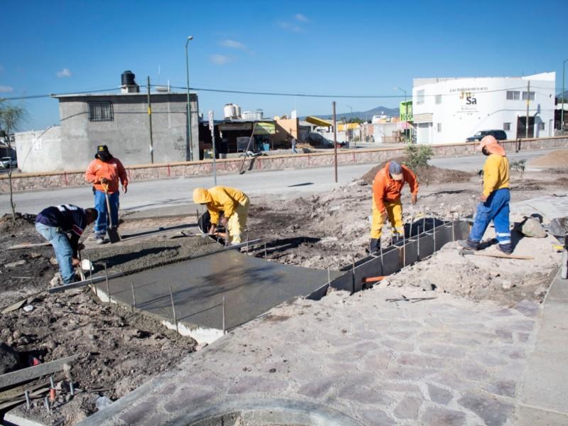 Continúan trabajos municipales en Hacienda Santa Rosa