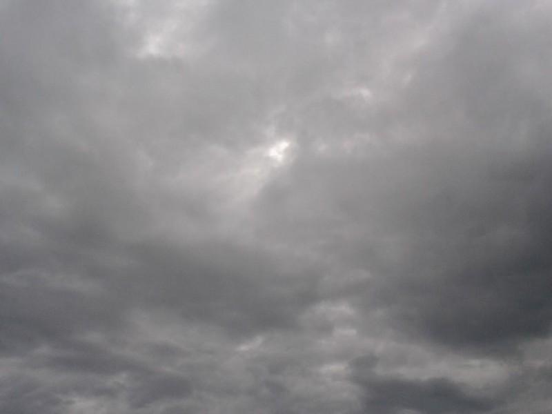 Continuarán lluvias durante fin de semana