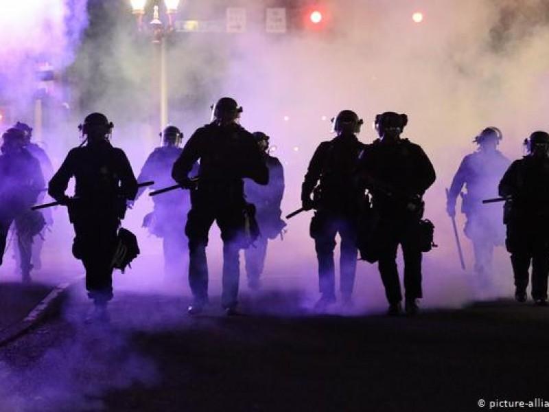 Contra violencia policial disturbios en Portland y Oakland