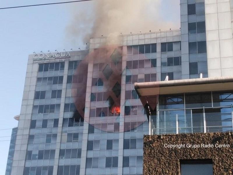 Controlado 80 %  del incendio en edificio:Sheinbaum