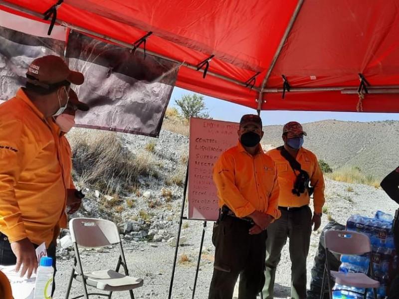 Controlan al 100% incendio forestal en Monterreal