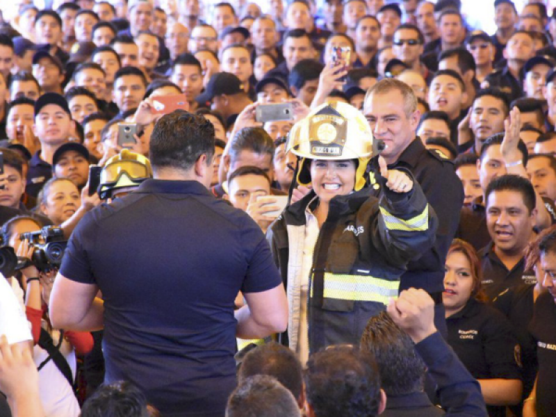 Contraloría investiga mitin de Barrales con bomberos