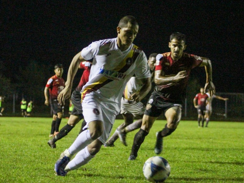 Coras FC empató en su debut