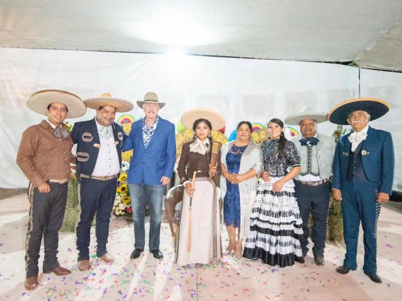 Coronan a reina de Chichimequillas
