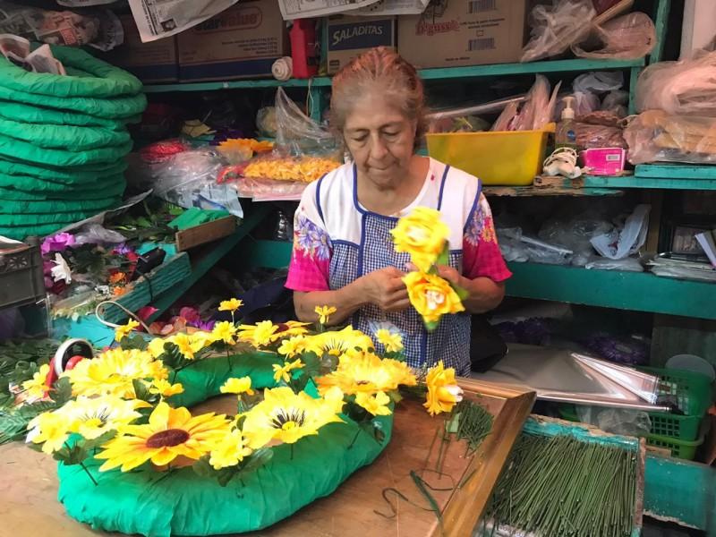 Coronas de flores una tradición vigente