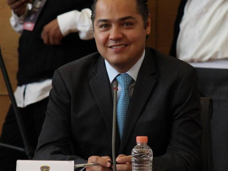 Correa Sada contesta a Morena