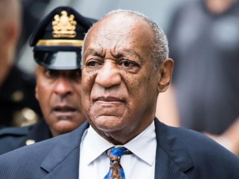 Corte anula la sentencia de Bill Cosby; es liberado