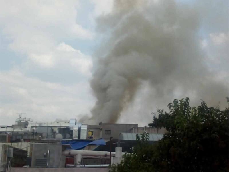 Corto circuito provoca incendio en antro de Polanco