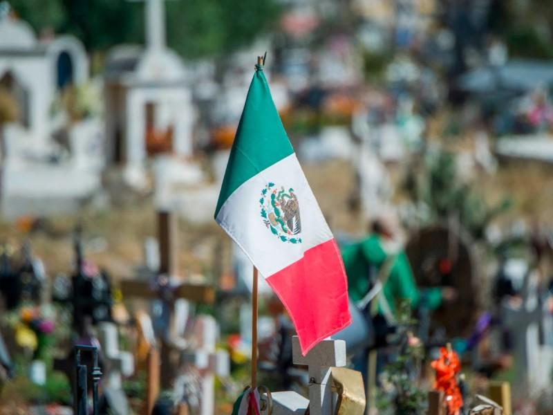 COVID-19: México suma otras 1,496 muertes y rebasa las 165,000