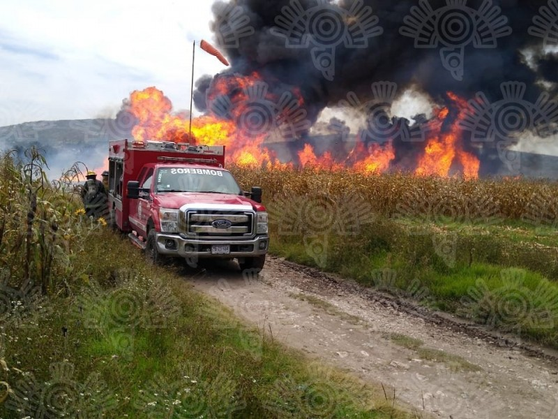 Crean incendio para sellar toma clandestina en San Nicolás Tolentino