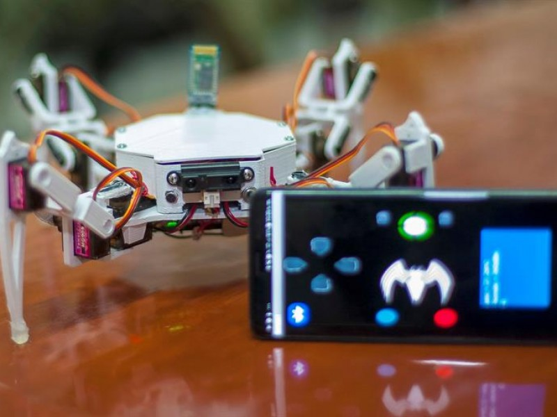 Crean robot para búsqueda y rescate en México