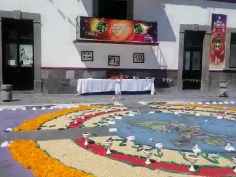 Crean tapete monumental para homenajear a culturas prehispánicas en #SanJerónimoCaleras
