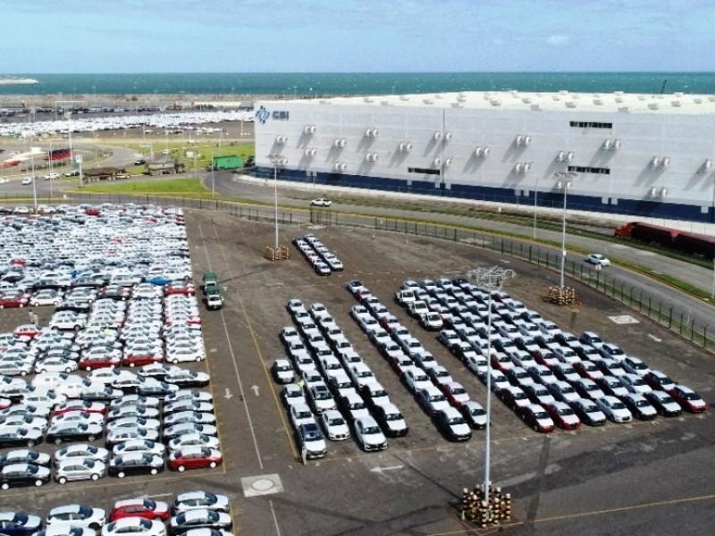 Crece movimiento de carga automotriz en el puerto de Veracruz