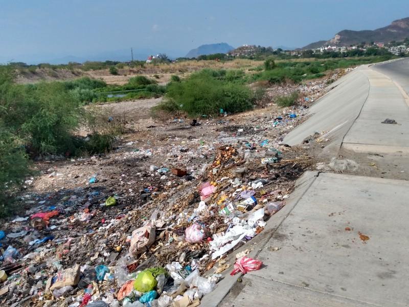 Crece problemática de tira de basura:San Blas Atempa