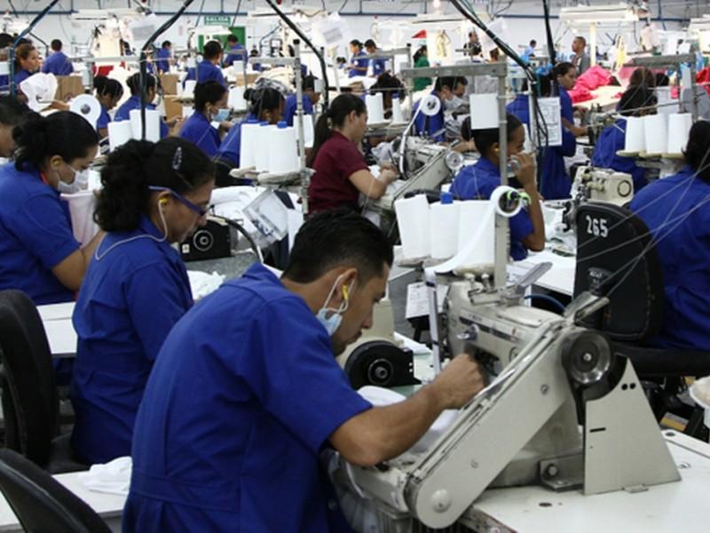 Crece producción industrial y se recuperan empleos en manufactura