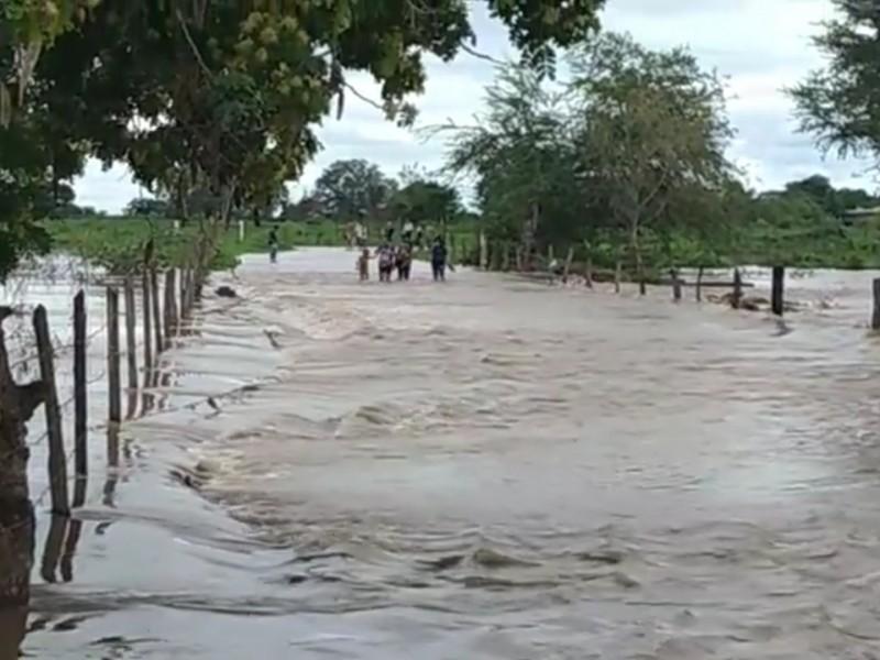 Crece Río Acaponeta. Autoridades municipales en Tecuala mantienen vigilancia