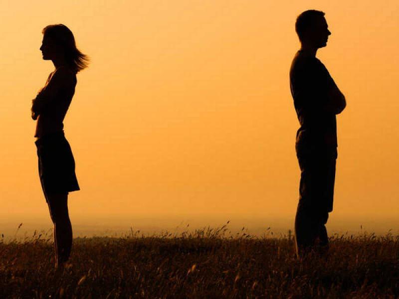 Crecen divorcios y disminuyen matrimonios en México:INEGI