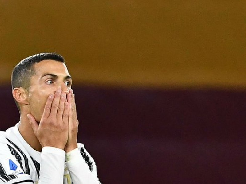 Cristiano Ronaldo sigue dando positivo en prueba de COVID-19