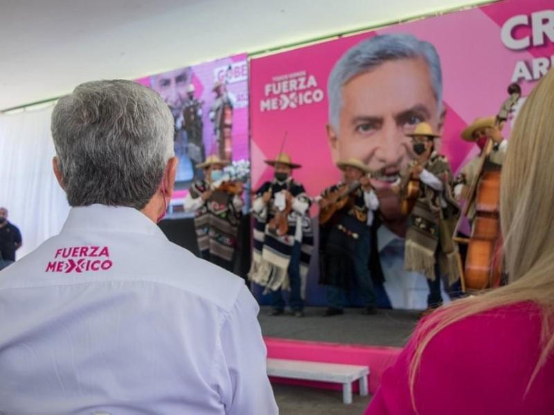 Cristóbal Arias renunciaría a la candidatura de Fuerza por México