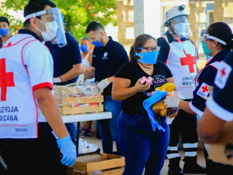 Cruz Roja continúa entregando kits a población vulnerable