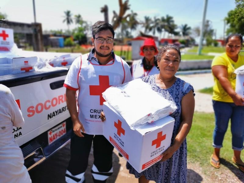 Cruz Roja entrega apoyos en Palmar de Cuautla