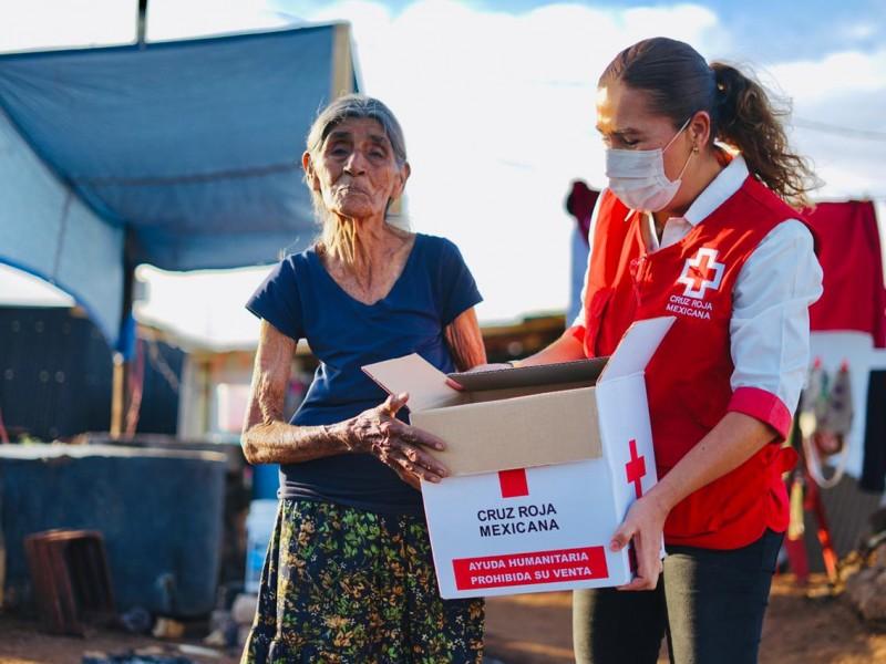 Cruz Roja entregó apoyos a familias damnificadas por incendio
