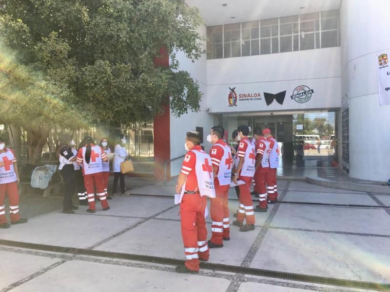 Cruz Roja y Centro de Salud recibe vacuna contra covid-19