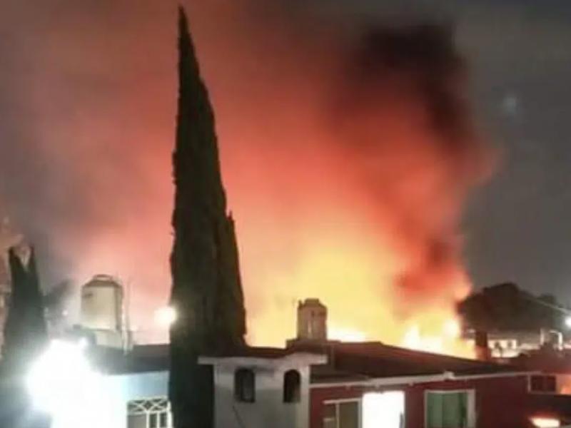 Cuatro heridos tras explosión de pirotecnia en Tultepec