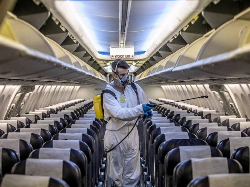 Cuba restringe vuelos a México