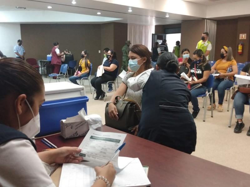 Culmina vacunación para personal docente con 3 mil 886 dosis