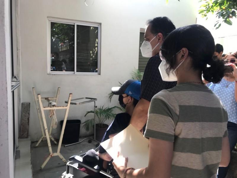 Cumplen y vacunan a menores en Cajeme