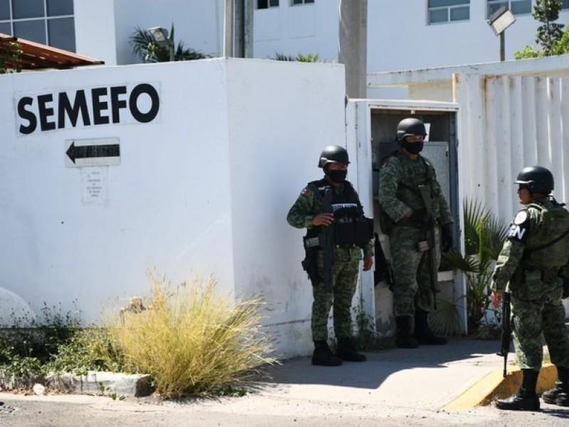 Custodian fuerzas federales Semefo de Sinaloa